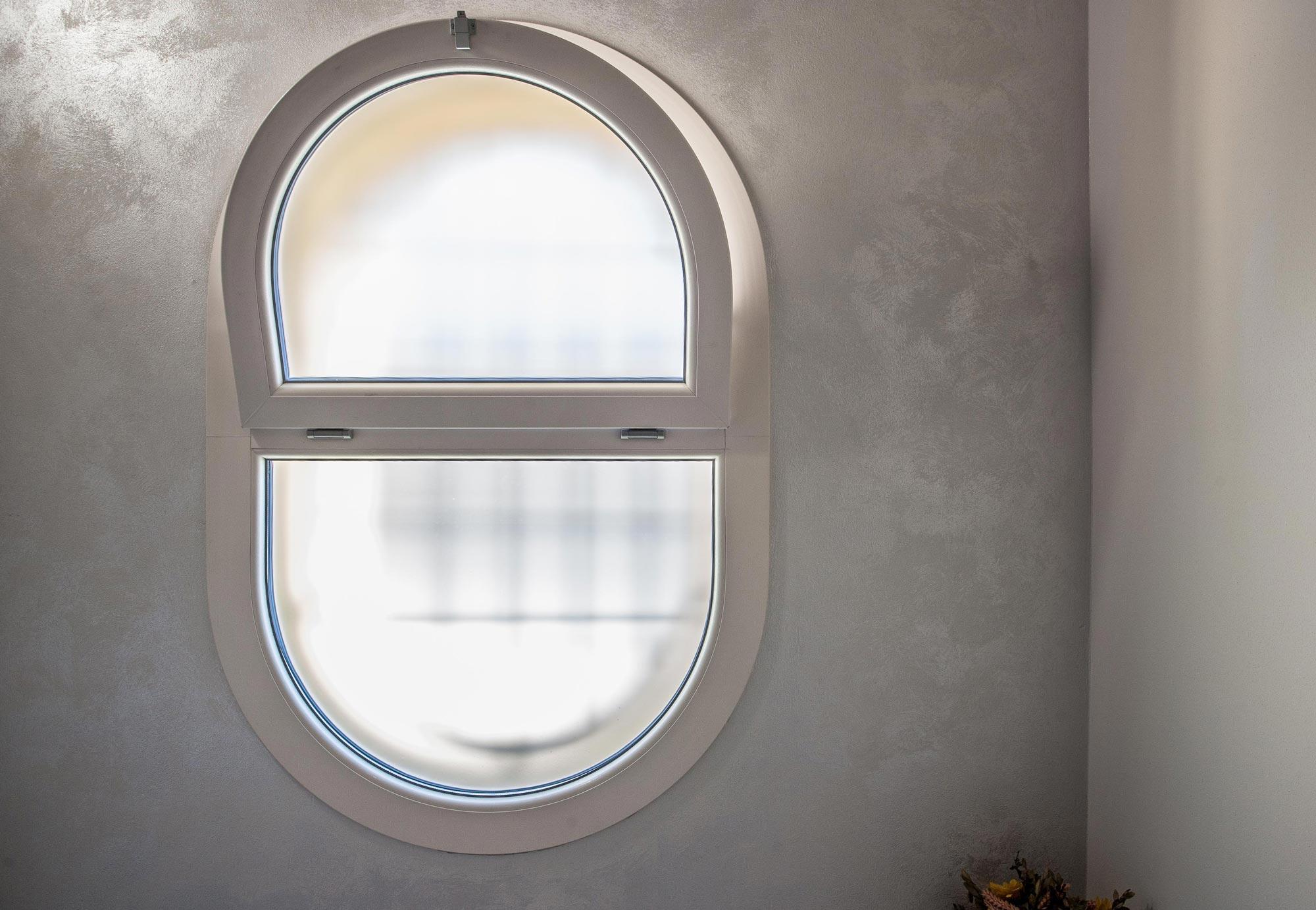 Good finestre isolanti rehau synego motta serramenti with - Finestra ovale e finestra rotonda ...